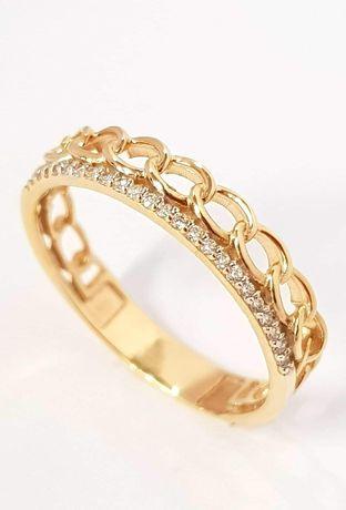 Złoty pierścionek. Obrączka