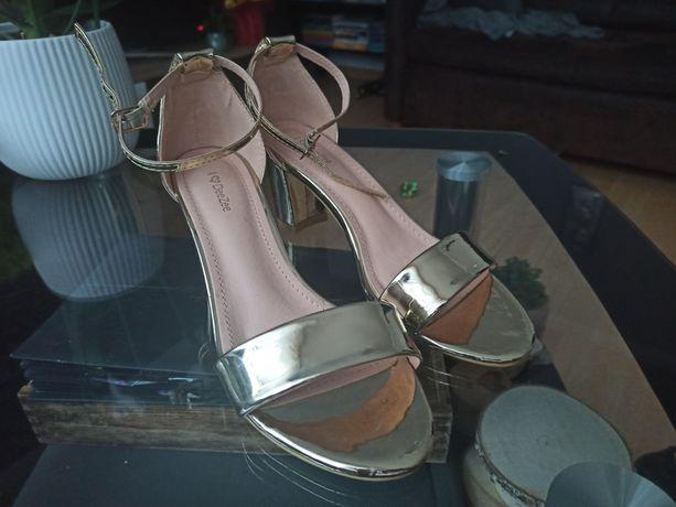 Sandałki DeeZee