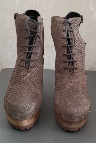 Sandálias/Bota Xuz ( Edição Limitada)