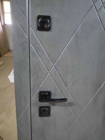 Двери входные в наличии и под заказ.