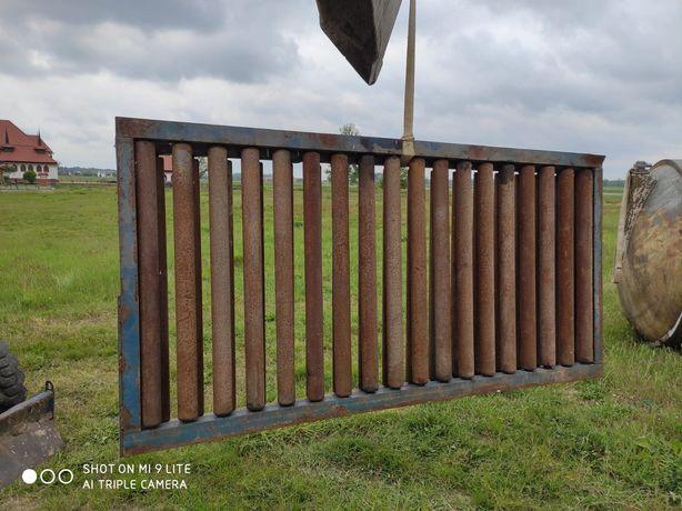 Podajnik rolkowy Masywny dwie sztuki 1,05 x 2,10 m