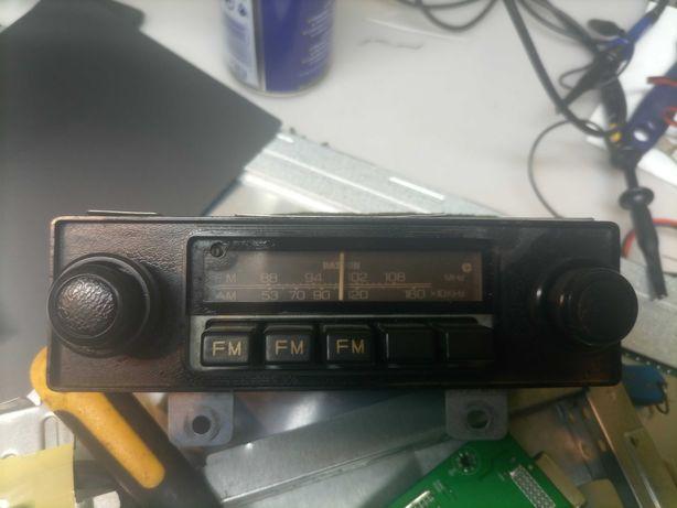 Autorradio Clarion clássico para Datsun e Nissan