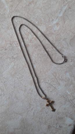 Продам серебряную цепочку с крестиком