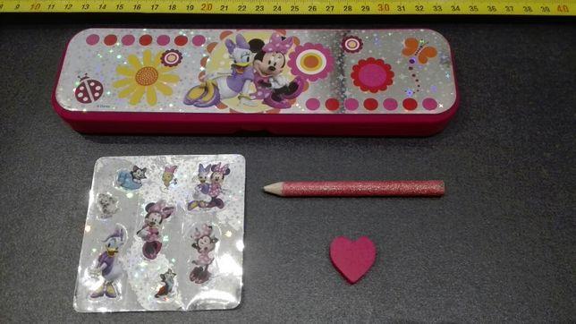 Zestaw dla dziewczynki piórnik ołówek gumka naklejki Minnie