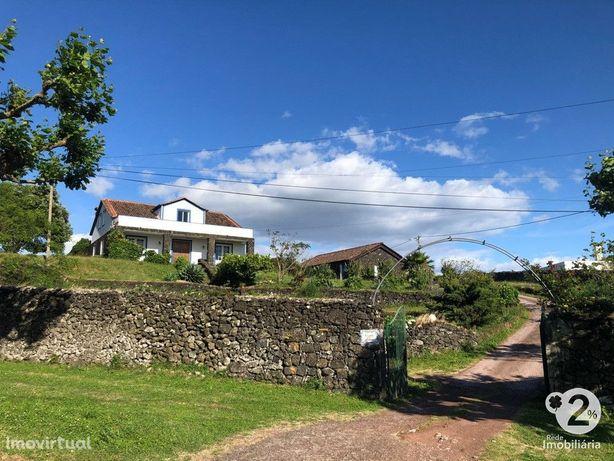 INVESTIMENTO -Quinta c/ vivenda T3 e 10 Bungalows