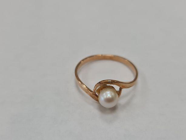 Warmet! Perła! Piękny złoty pierścionek/ 585/ 1.61 gram/ R16