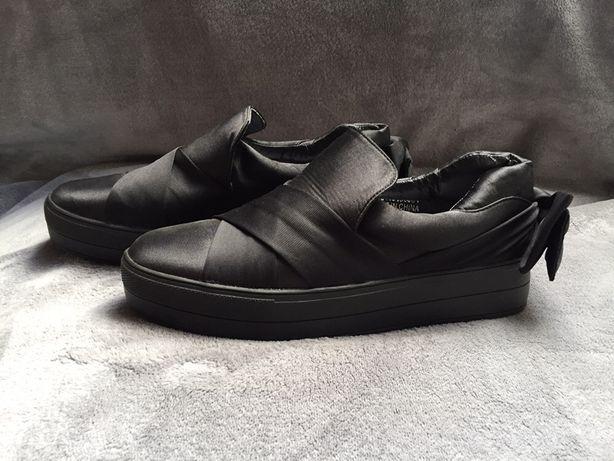 Buty z kokardka