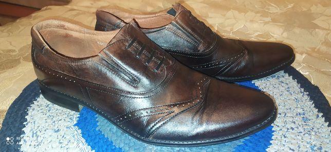 Туфлі чоловічі,темно-коричневі,44р.стан відмінний.обмін на мішок зерна
