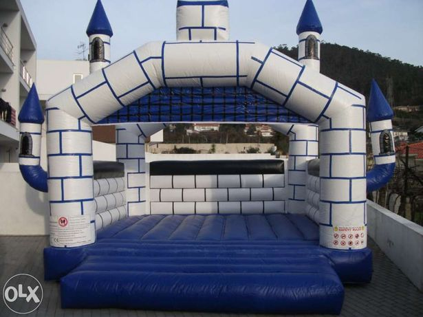 Vende-se Insuflável Novo castelo Avalon