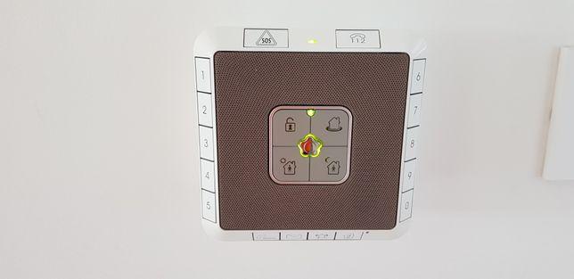 Alarme Securitas direct com 8 detectores de aberturas d portas/janelas