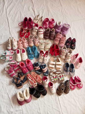 Sapatilhas adidas, sapatos e sandálias