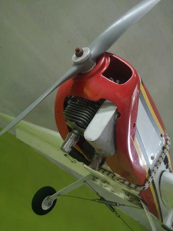 Aeromedelismo aviao 1.50mx1.80m gasolina 98