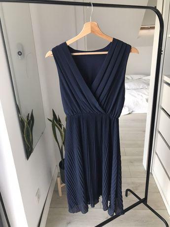 Granatowa plisowana sukienka wieczorowa