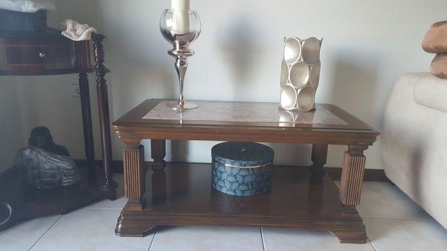 Mesa de centro com mármore