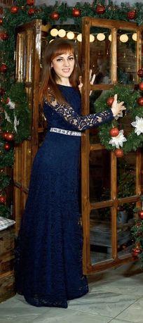 Продаю нарядное,очень красивое платье в пол)