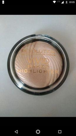 Duży rozświetlacz Make Up Revolution Peach Lights