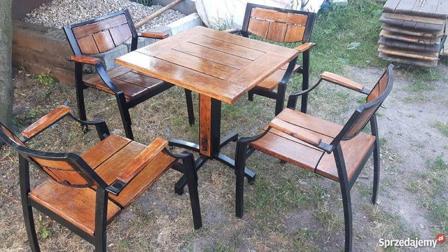 Stół i cztery krzesła dębowe bardzo mocne