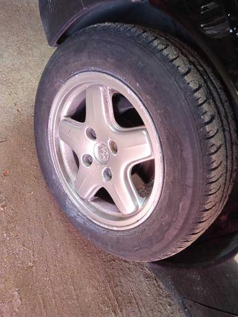 Vendo 4 jantes 14 Peugeot com pneus