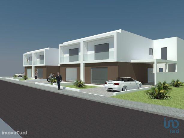 Moradia - 264 m² - T4