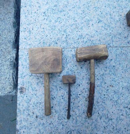 Martelos de madeira artesanais