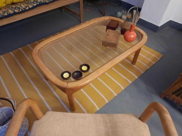 Mesa e 4 cadeiras madeira