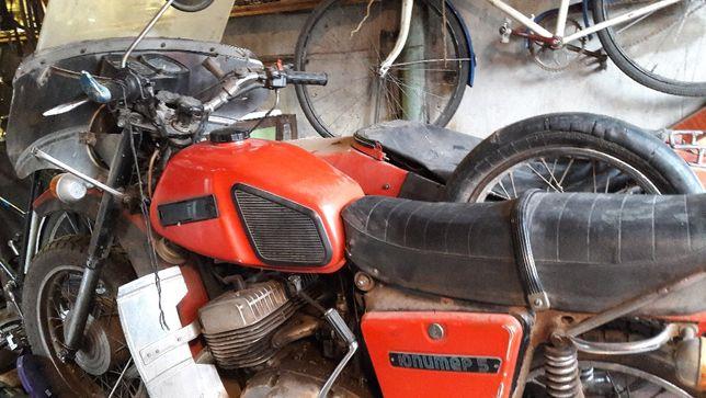 Продам мотоцикл с коляской ИЖ Юпитер-5.1989г.выпуска 10000грн.