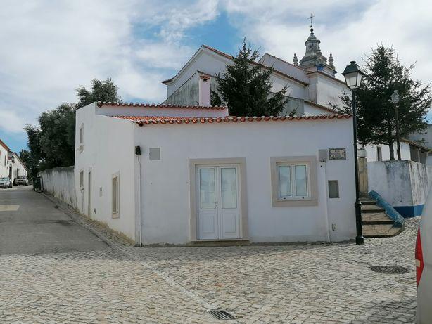 Casa remodelada por fora na aldeia Galega