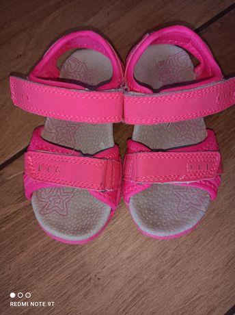 Sandałki dla dziewczynki r.24