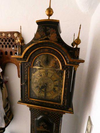 Relógio Pé Alto de Sala