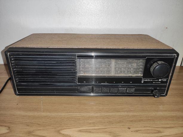 Stare radio UNITRA DIORA Śnieżka r207