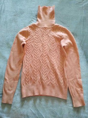 Очень теплый свитер для девочки-подростка