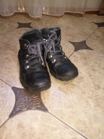 Кожаные ботинки/сапожки р.33. детская обувь на мальчика