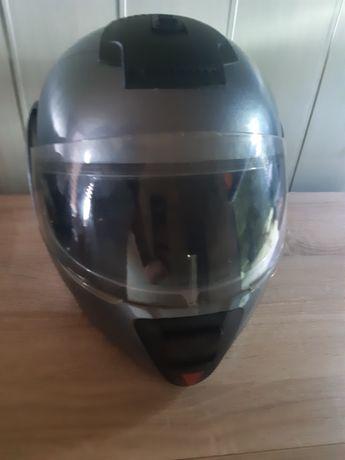 Szczekowy kask na motor