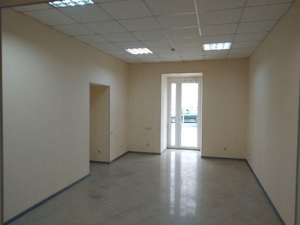 Фасадное помещение 47кв.м в Центре