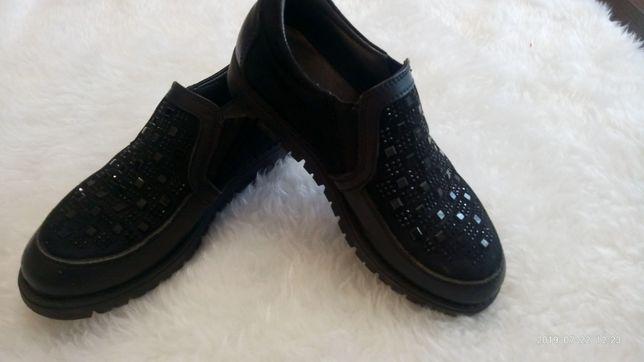 Туфли , лоферы .