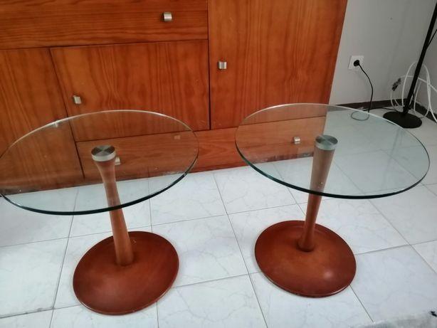 Mesa de apoio com tampo em vidro