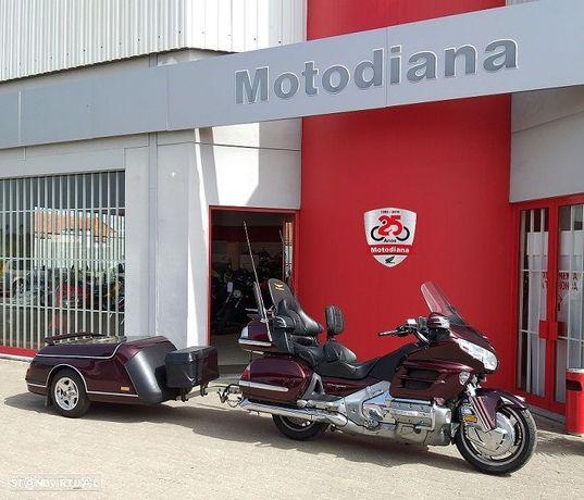 Honda Goldwing GL1800 c/ airbag, GPS e reboque
