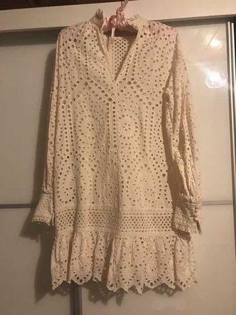 Sukienka HM haft angielski edycja limitowana