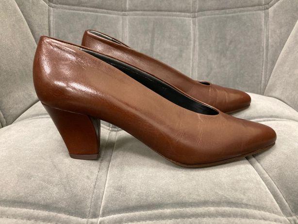 Nowe skórzane włoskie buty czółenka szpilki Silvestri brąz vintage 38