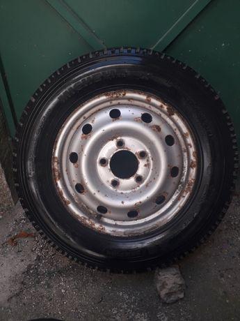 Pneu Michelin 225/65 R16