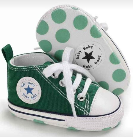 "Sapatilhas tipo ""All Star"" verdes"