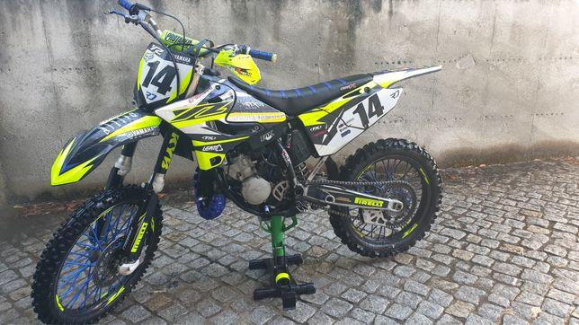 Mota Yamaha YZ 125