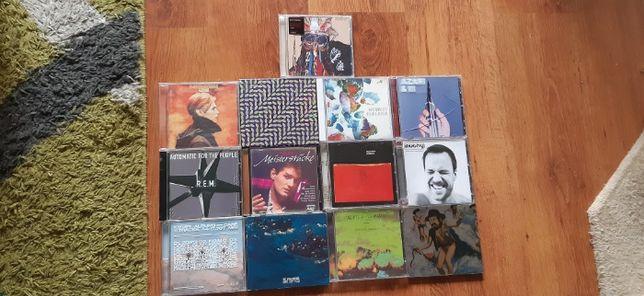 Kolekcja płyt CD: Avalanches, Gang Gang Dance, Radiohead, David Bowie