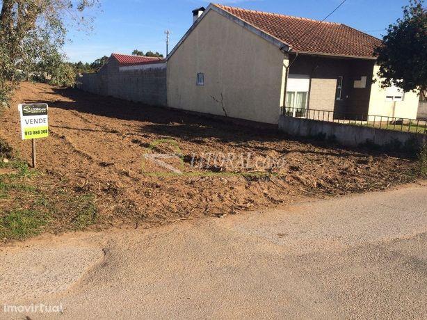 Terreno para construção em Travassô