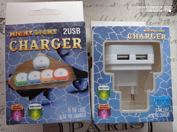 Зарядное устройство с двумя USB портами и ночником зарядне