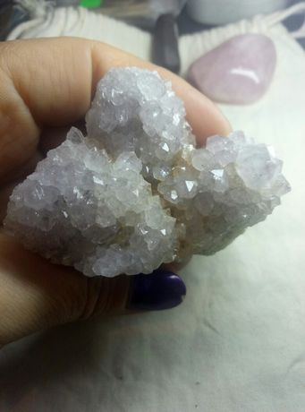 Кактусовый аметист камень