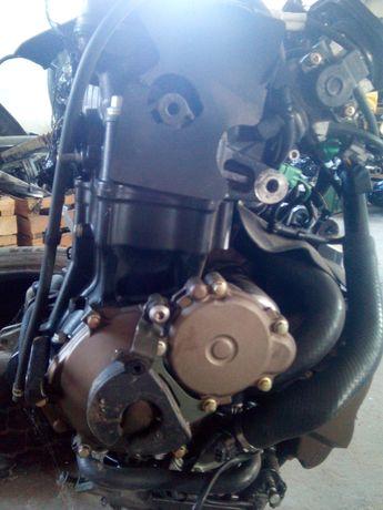 Silnik Kawasaki ZX10R 04r-05r