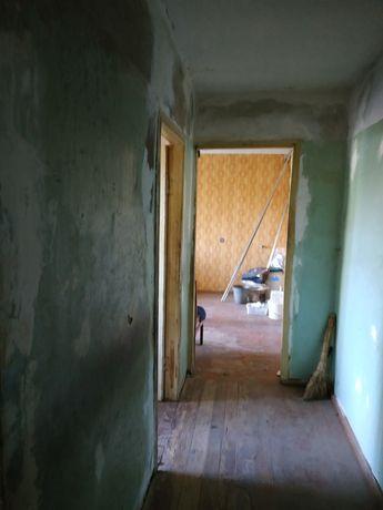 Браилки ул .Баленко  квартира без ремонта вообще.