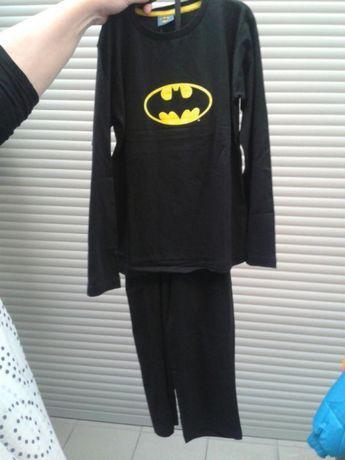 Piżama z logo Batman rozmiary 110, 128