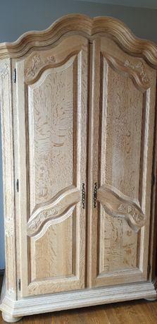 Piękna drewniana rzeźbiona szafa holenderska